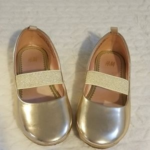 Girls gold flats with strap Size 10.5